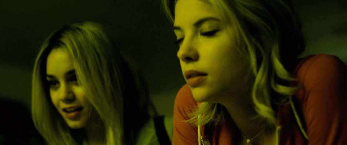 Spring Breakers Brit wears golden heart necklace by Jennifer Zeuner Scene