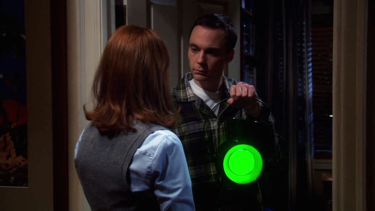 The Big Bang Theory Sheldon Cooper Green Lantern Power Battery and Hal Jordan Ring with Student Girl in The Psychic Vortex