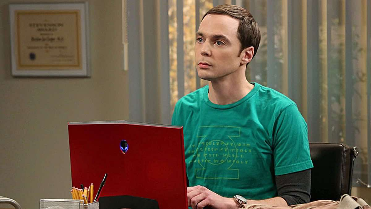 TBBT Sheldon Cooper in front of his red Alienware DELL Laptop in The Friendship Turbulence