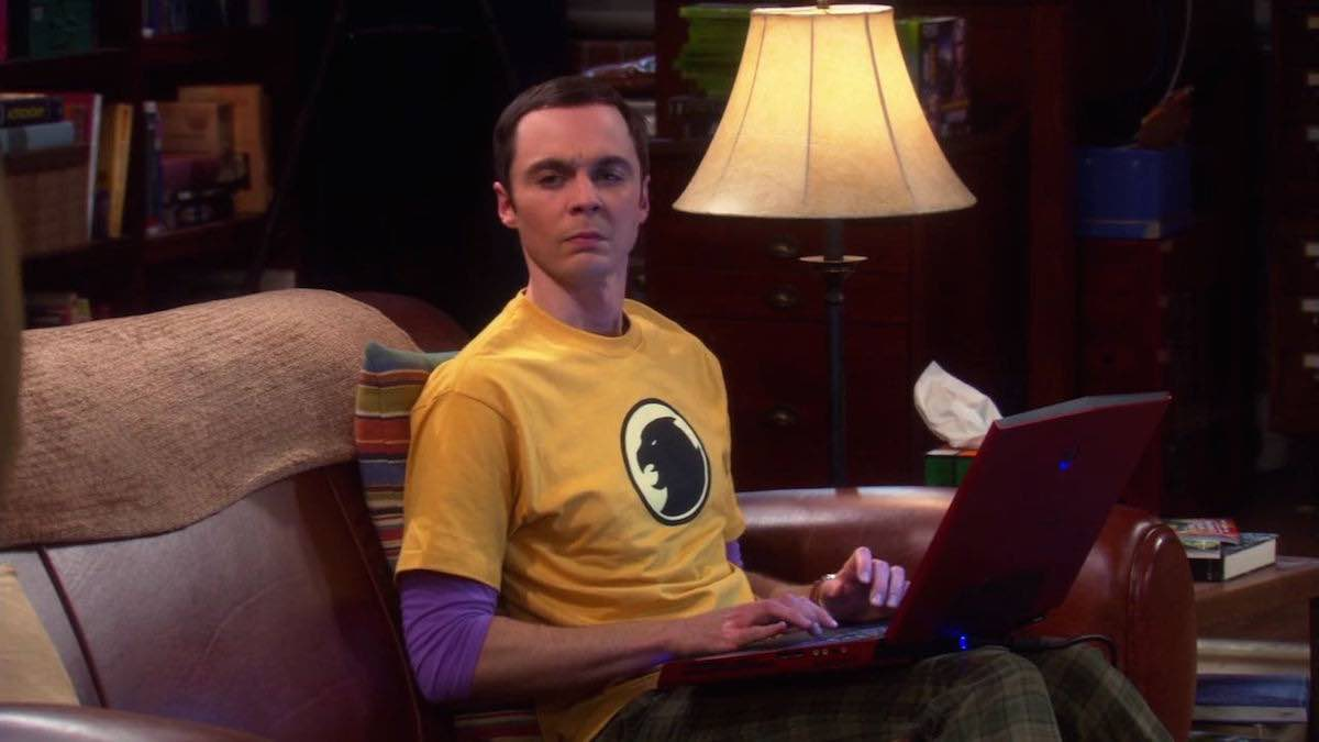 The Big Bang Theory Sheldon Cooper wears his yellow Hawkman logo t-shirt in The Staircase Implementation